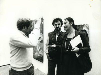 Robert Rauschenberg, Živa Škodlar Vujić and Lazo Vujić at an art fair.